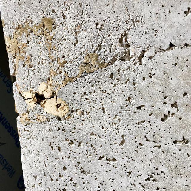 Béton et laiton // brass and concrete