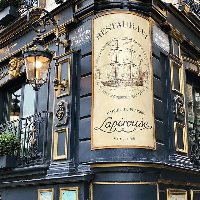 Restaurant Laperouse 🥂🍾 Peinture et installation d'un décors dans l'esprit de la fresque originale